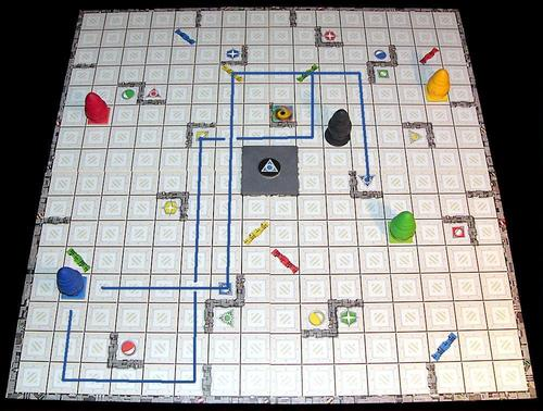 The board showing 2 ways to solve a puzzle taken from http://boardgamegeek.com/image/62398/ricochet-robots